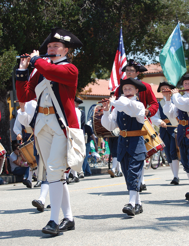 The Mountain Fife & Drum band, a popular entry two years ago, returns to Pacific Palisades. Photo: Tom Hofer